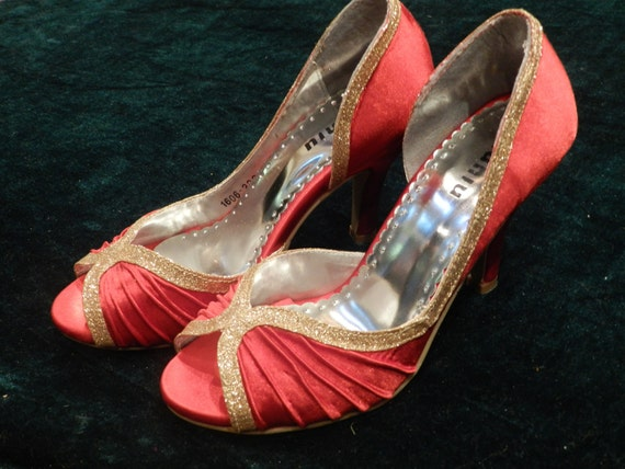 CRAZY SALE: The new one red satin evening shoes (SH2271202)