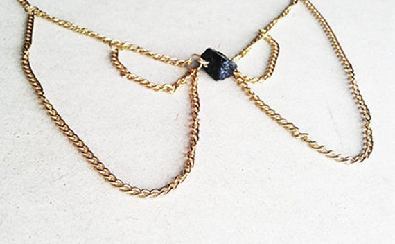 Black Stone and Gold Chain Peter Pan Collar