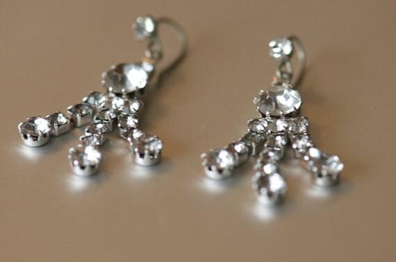 Pair of diamante/ rhinestone crystal drop earrings