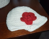 Newsboy Cap Ivory with Red Fower