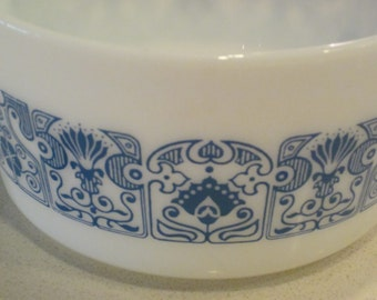vintage pyrex one (1) quart casserole dish / mixing bowl in 1960s-1970s - blue horizon deco pattern
