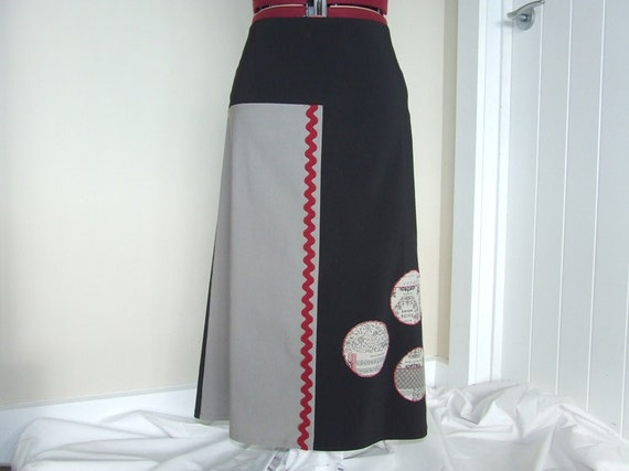 Womens black and natural skirt with circle applique
