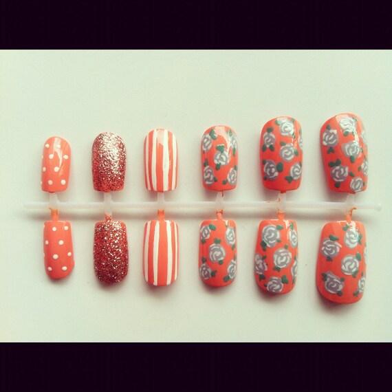 Mixed floral nail set