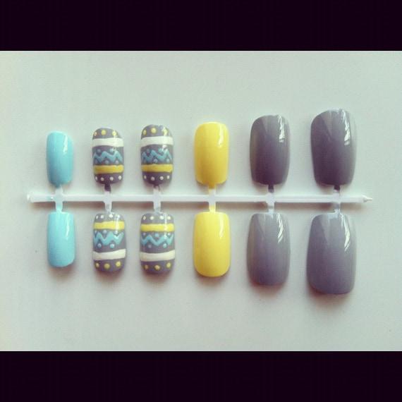 Pastel tribal nail set