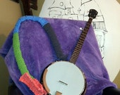 BANJO or GUITAR STRAP -hand knitted out of up-cycled t-shirts (T-Shirt Yarn)
