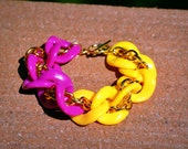 Golden Twist Bracelet in Yellow/Magenta: Acrylic and Gold Chain Link