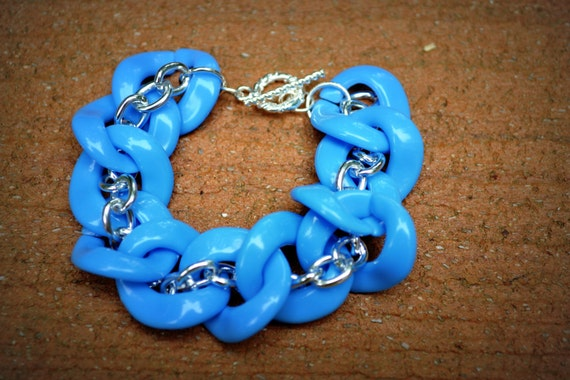 Silver Twist Bracelet in Sky Blue: Acrylic and Silver Chain Link