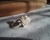 Decoden pearl ring