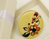 Vintage style floral 30mm wooden button ring adjustable size and gift box