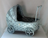Vintage Wicker Baby Doll Carriage/Buggy/Display