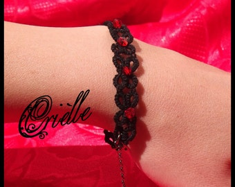 Gothic bracelet Mirra black and red