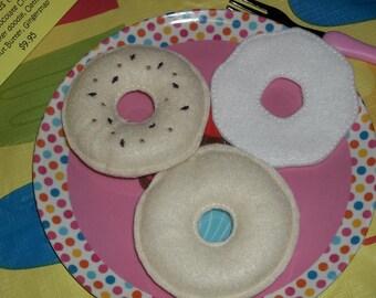 Felt Food - 3 Piece Sesame Seed  Bagel with Cream Cheese Felt Play Food