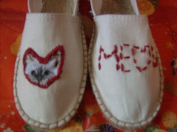 Cat kitty cat heart Hand stitched meow flats shoes slip ons size 8 womens steve madden