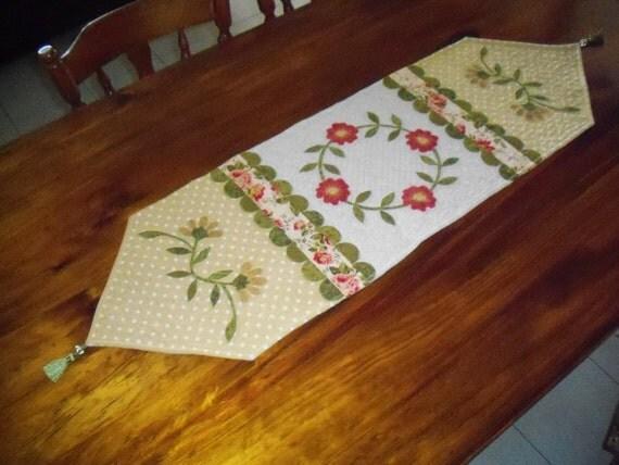 Table Runner Pattern SPRING