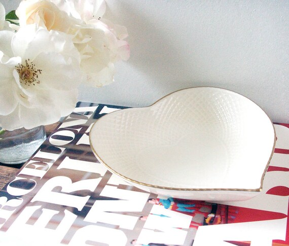 vintage bowl, vintage mikasa, heart shaped bowl- mikasa ivory bone china 24 karat