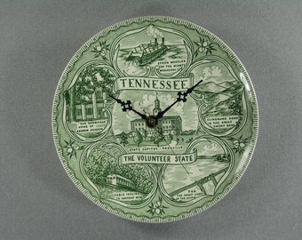 TENNESSEE Wall Clock, Upcycled Vintage Souvenir Travel Plate, Clocks by DanO