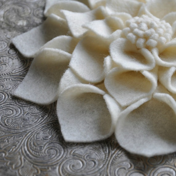 Large Felt Flower Pin - Cream Dahlia - Antique White Brooch