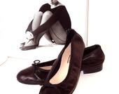Black Leather Classic Ballet Flats / Cocotelas negras de piel.