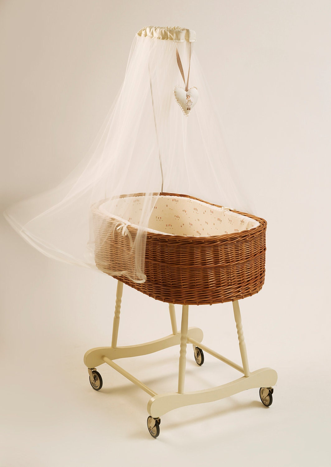 Baby cribs moses baskets -  Baby Crib Willow Weave Handmade Moses Basket Zoom