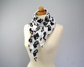 White elegant scarf with tulip print - only one piece