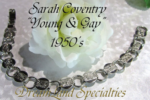 """Sarah Coventry Vintage Jewelry """"Young & Gay"""" Bracelet 7 1/2"""