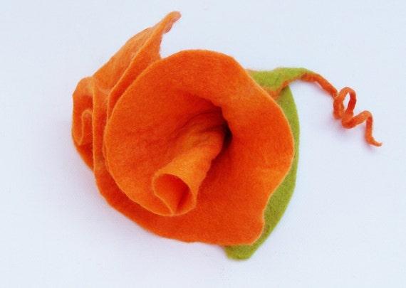 Felt brooch felt in orange blossom jewelry felt jewelery brooch orange red yellow felted jewelry flower flower brooch
