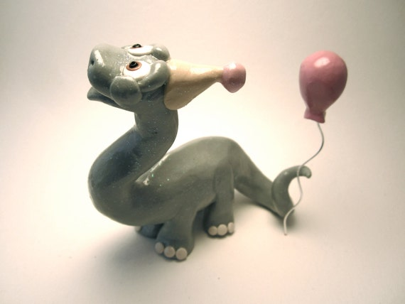 Brontosaurus Dinosaur With Balloon Figurine - Custom Animal Birthday Cake Topper - Unique Decoration / Gift