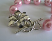 Reserved - Custom order for Eleni only - do not order if you are not Eleni - Floral clasp light pink beaded bracelet