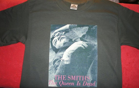 "The Smiths ""The queen is dead"" tshirt size: youth medium"