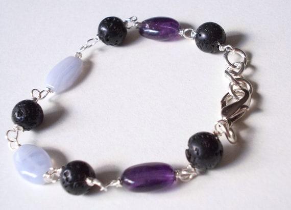 Easy and elegant bracelet- braccialetto calcedonio ametista e pietra lavica