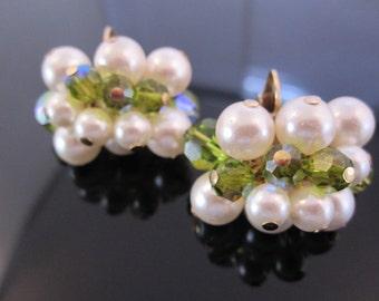 Beautiful faux pearl Richelieu clip earring
