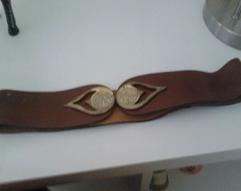 Funky vintage brown leather belt with beautiful buckle