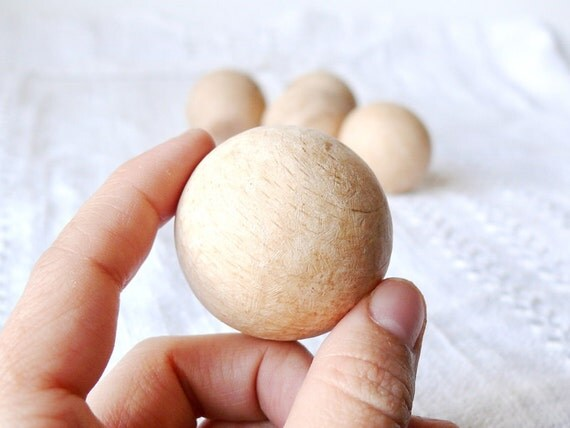 38 mm Wooden round beads 10 pcs - natural eco friendly r38mm