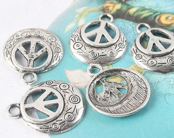 24pcs antiqued silver round peace sign pendant charm G1206