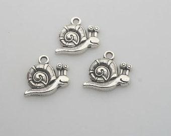 30pcs Tibetan Silver snaill charm pendants X0112