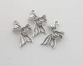 18pcs Tibetan Silver bowknot charm pendants X0128