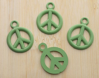 20pcs 17mm green peace sign pendant charm G251