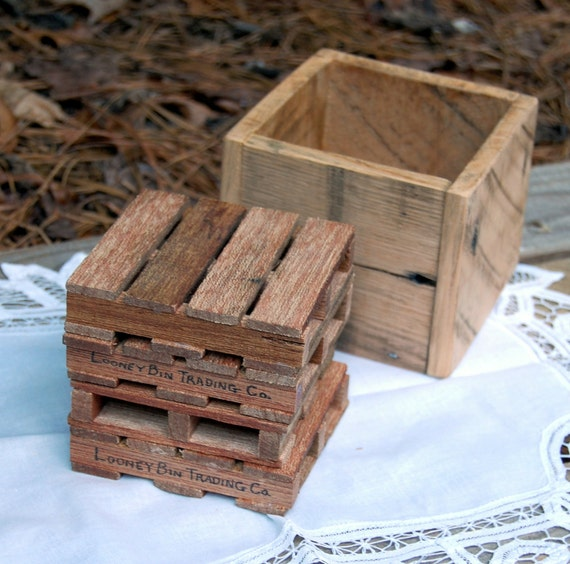 Miniature pallet coaster set with storage box for Storage box made from pallets