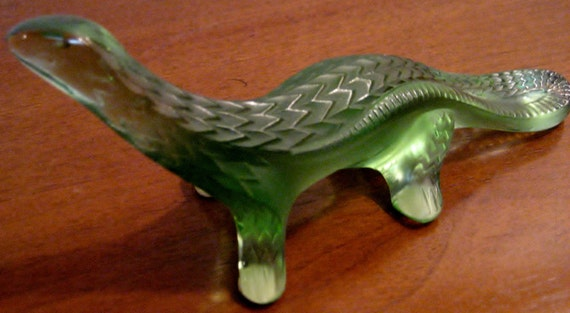 Lalique Vert Glass Lizard Paperweight