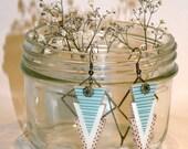 Earrings trigone