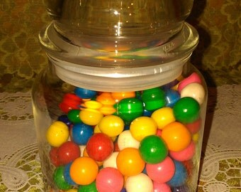 VTG apothecary jar with tight sealing lid