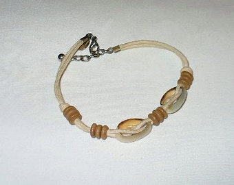 """Vintage Quality 10"""" Signed Panama Jack Cotton Rope with Wood Discs and Shells Bracelet"""