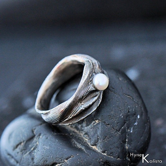 Romantic Wedding or Engagement Ring with Pearl Women by KREDUM