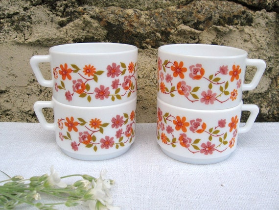 Set of 2 Vintage French 1970s Arcopal Coffee Cups Scania Design