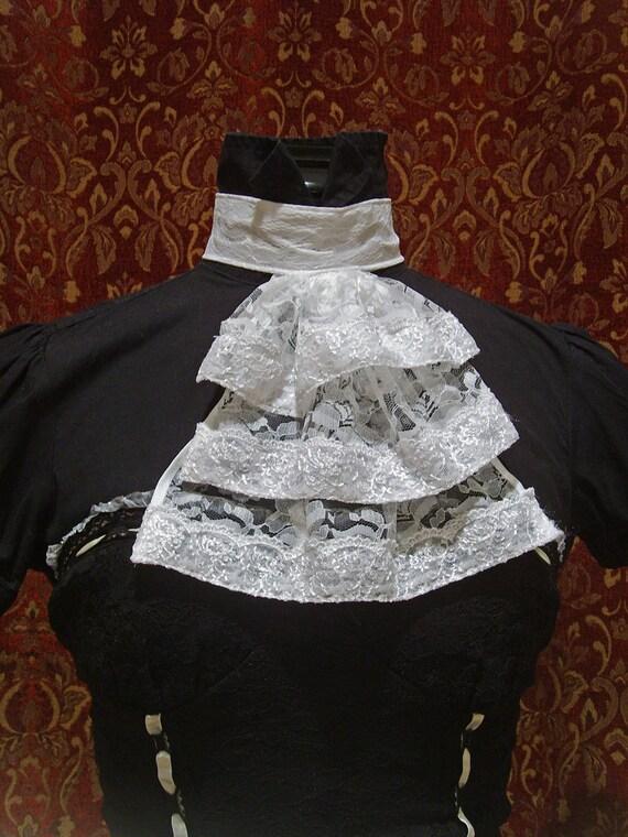 Elegant Gothic Lolita Lace Cravat