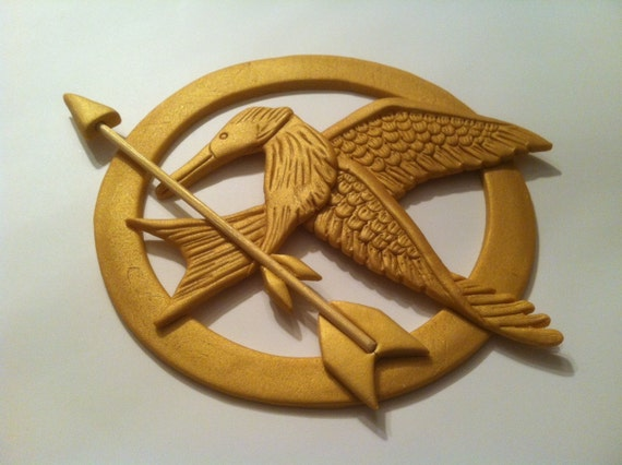How to Make a Hunger Games Mockingjay Cupcake Topper ...