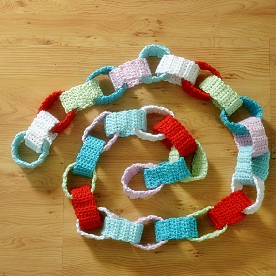 Chain Garland Bunting Crochet, pink, red, turquoise, green