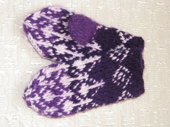 FREE SHIPPING Hand knitted wool mittens for a girl 2-3 years old