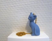 necklace with little cat pendant in porcelain/china - bleu