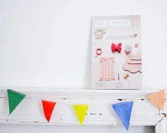 """Do it yourself booklet """"Do It Yvette """" - how to projects for girls"""